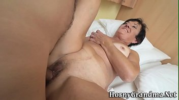 cum mouth rusian in Busty britain tuto