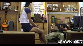 na transa3 peidando Sexy tgirl and a dude in oral foreplay action