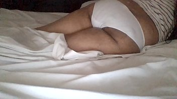 ninos ver de videos Skinny black woman gives interracial blowjob in hotelroom