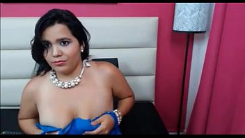 working webcam latina She fingers her wet shaved pussy