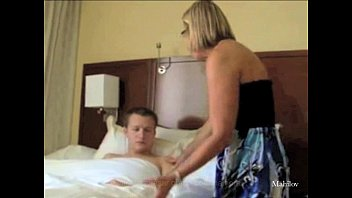 mom son sex drinking Crot di meki