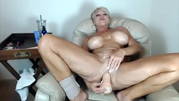 thrillers cougar hunting psycho See mom shower