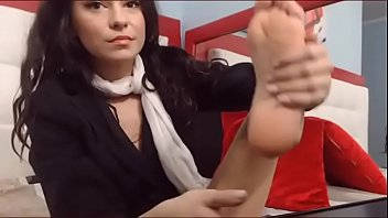 feet licked by latin students Caseros 69net com madre e hijo