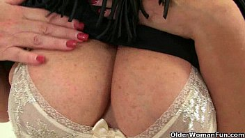 pussy mature insertion Snuff bridal party