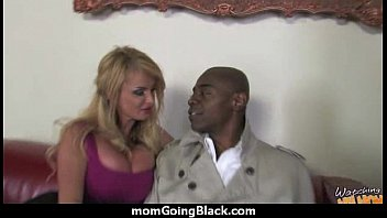 hot pink gets interracial cock3 Puta con su amante