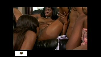 gang reppid girl Puts his balls in her mouth and he cums